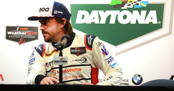 24 Horas de Daytona  Alonso  El cinturón de seguridad c62a3e44bb0af