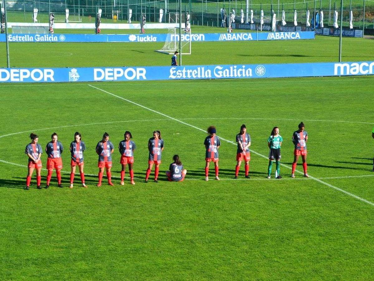 Foto: Dapena, con el 6, se niega a participar en el minuto de silencio (Tania Esperón -Pontevedraviva.com-)