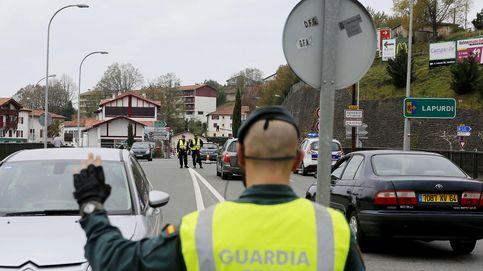 España sigue la pista de tres coches sospechosos mientras ultima