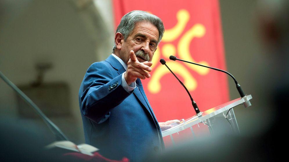 Foto: Miguel Ángel Revilla, presidente de Cantabria, criticado por sus declaraciones tras el rescate a tres espeleólogas que quedaron a atrapadas en una cueva. (Efe)