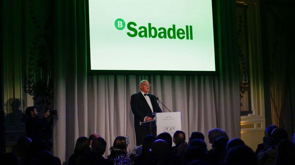 Cerberus y Oaktree pujarán por los suelos de Banco Sabadell en Solvia