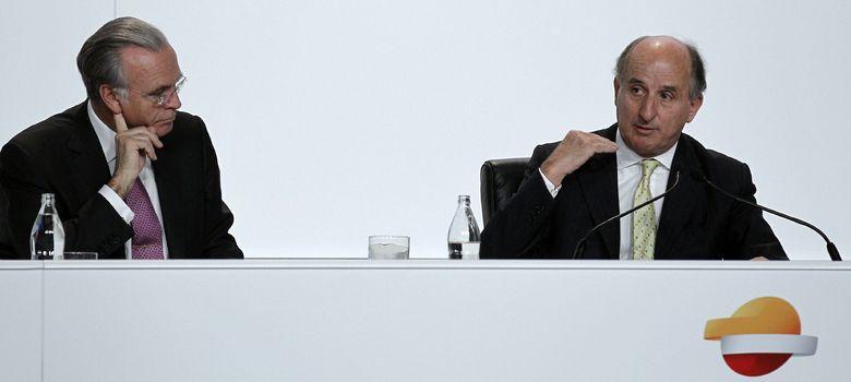 Foto: El presidente de Repsol, Antonio Brufau (d), junto al presidente de La Caixa, Isidre Fainé (Efe)