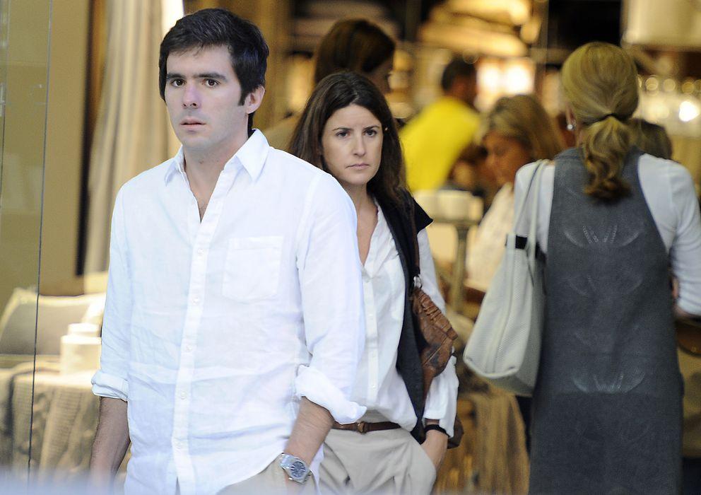 Foto: José María Aznar Junior y Mónica Abascal paseando por las calles de Madrid (Gtres)