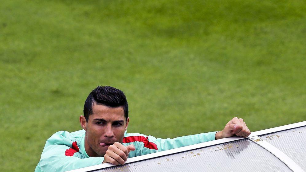 Foto: Cristiano Ronaldo, durante un entrenamiento de Portugal. (EFE)