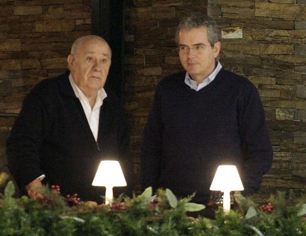 Foto: El fundador del grupo Inditex, Amancio Ortega (i) y el presidente de la multinacional, Pablo Isla (d).
