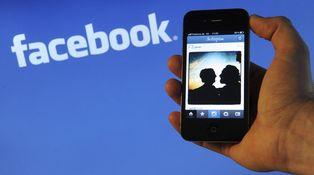 ¿Puede mi expareja publicar fotos de nuestro hijo sin mi permiso en Facebook?