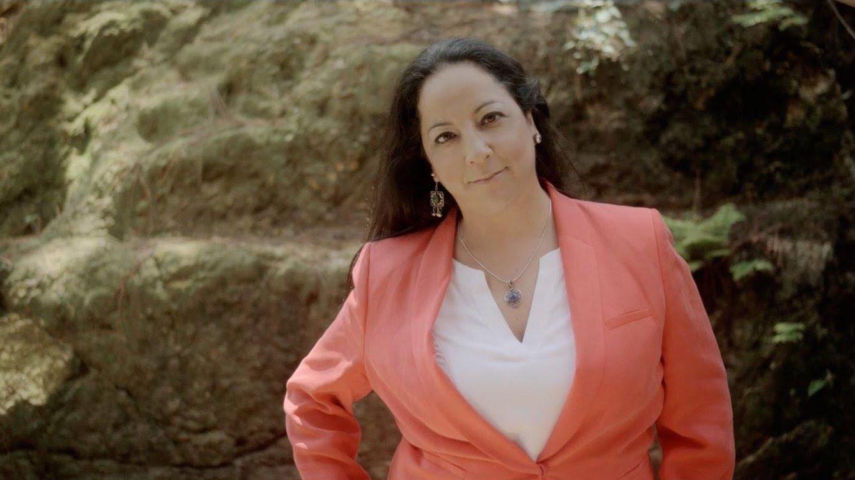 Foto: Inma Serrano, en una imagen de archivo de su videoclip 'Ruleta rusa'