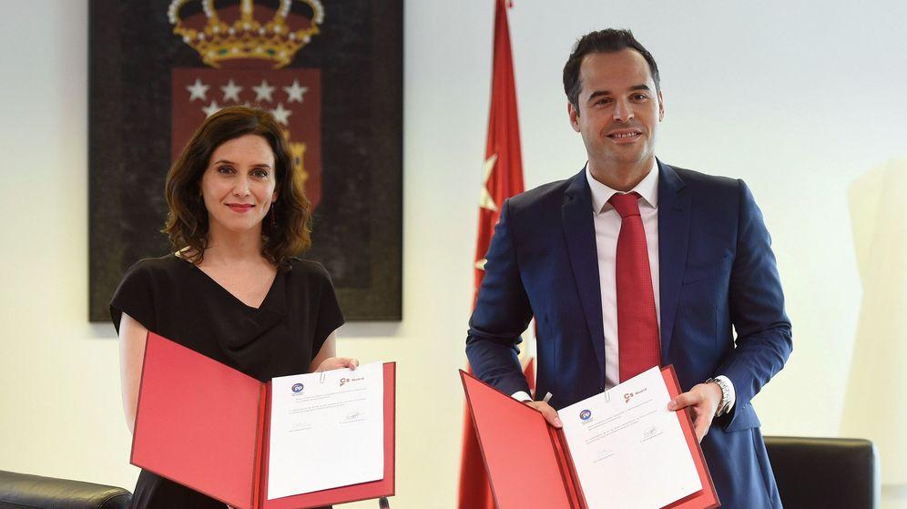 Foto: La candidata del PP a la Comunidad de Madrid, Isabel Díaz Ayuso, y el de Ciudadanos, Ignacio Aguado. (EFE)