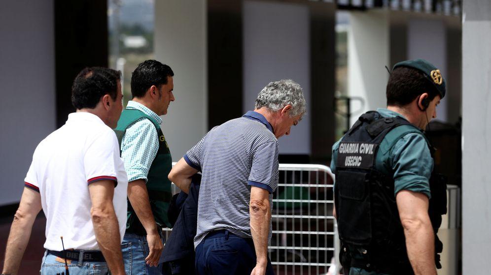 Foto: Ángel María Villar, en el momento de ser detenido. (Reuters)