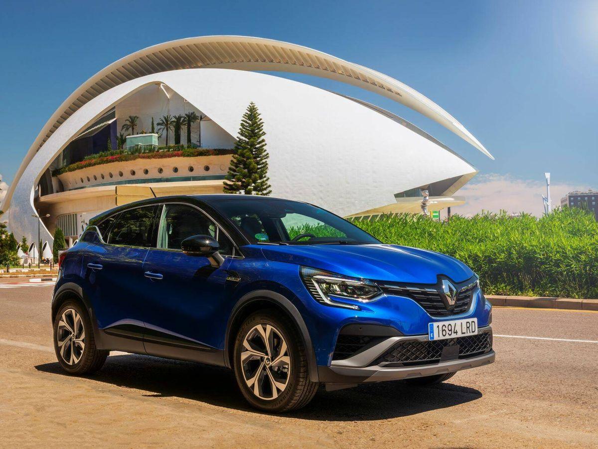 Foto: Nuestro primer contacto con el Renault E-Tech Híbrido ha discurrido por las calles y alrededores de Valencia.