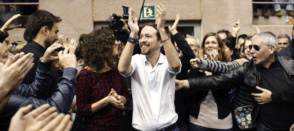 Foto: El secretario general de Podemos, Pablo Iglesias, en el mitin celebrado en el pabellón de Vall d'Hebron. (EFE)