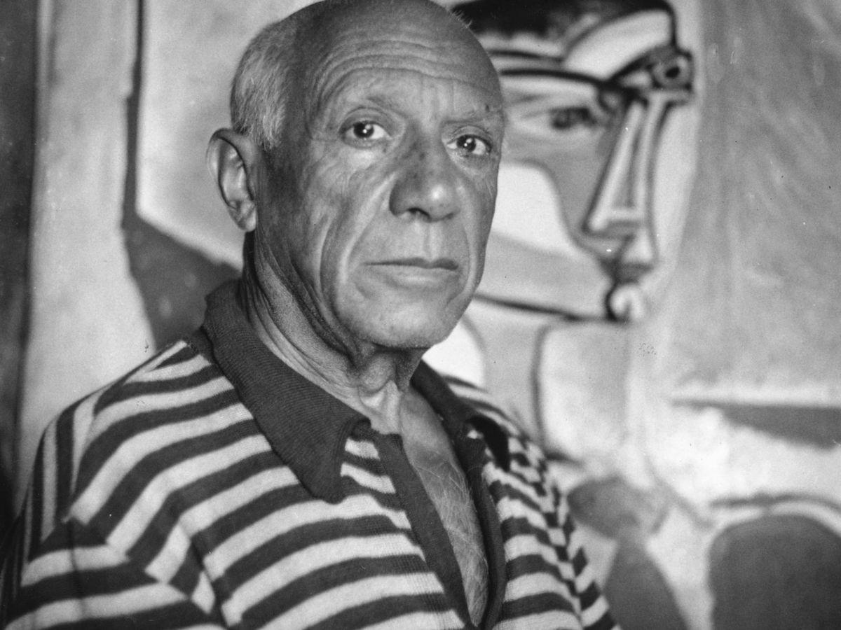 Foto:  Pablo Picasso, en su estudio de Cannes. (Getty)