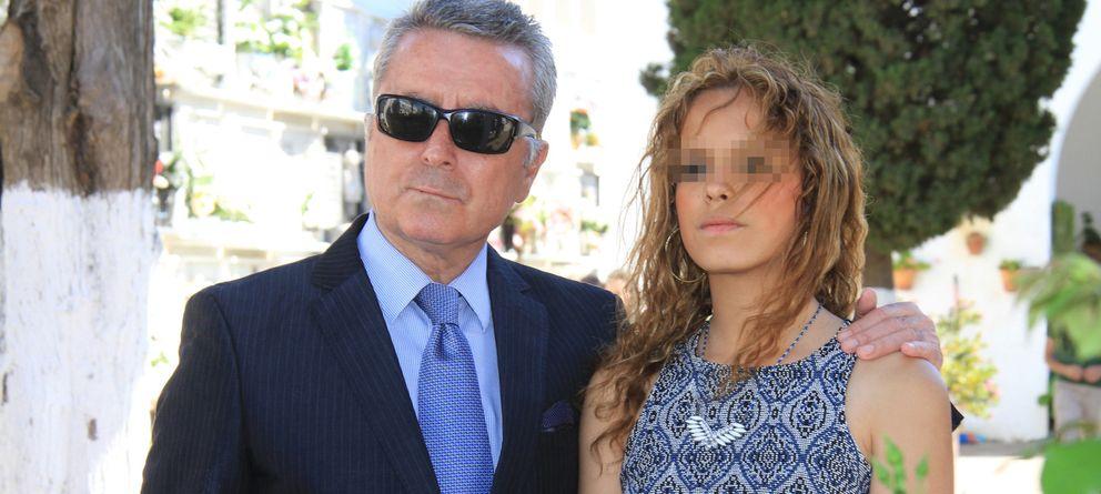 Foto: Gloria Camila junto a su padre, José Ortega Cano, en una imagen de archivo (I.C.)
