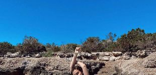 Post de Laura Escanes luce su nuevo pecho con un bikini rebajado de Women'secret