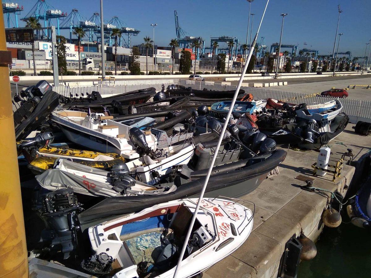 Foto: Narcolanchas amontonadas en el puerto de Algeciras.