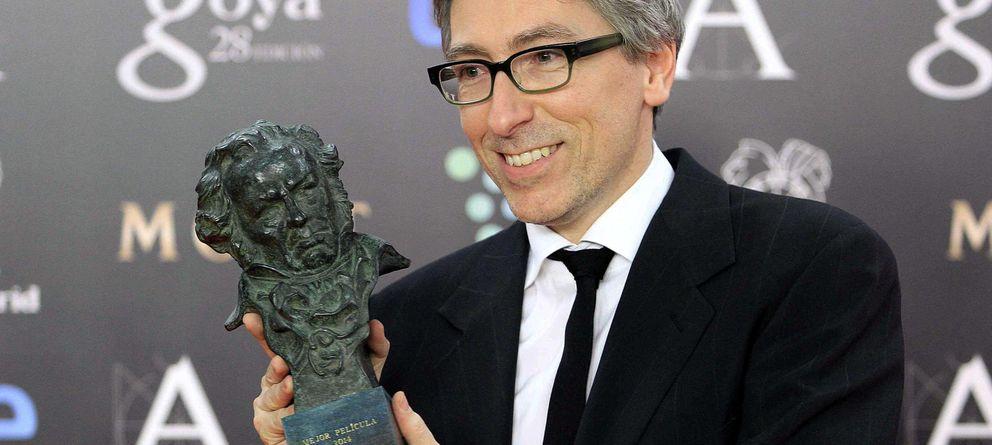 Foto: David Trueba presumiendo de Goya (EFE)