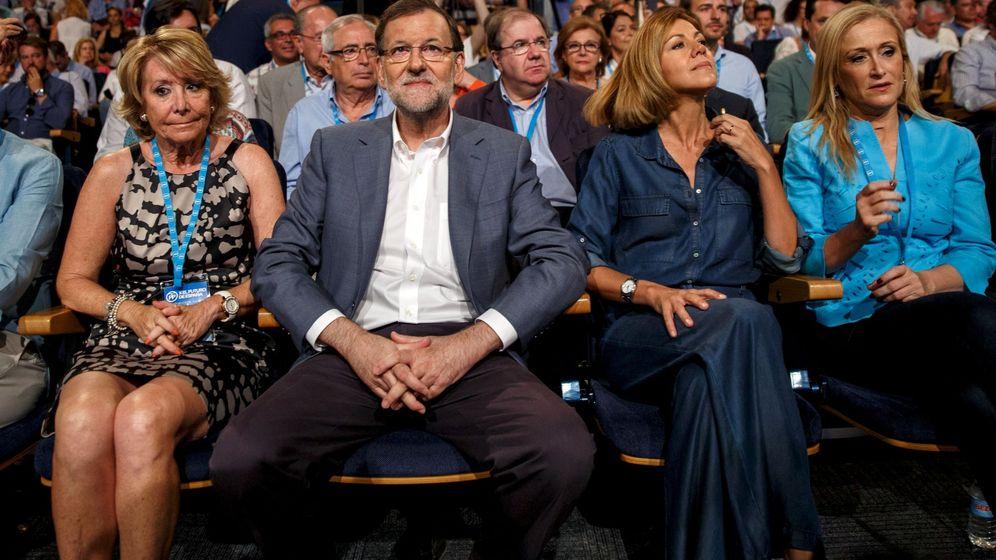 Foto: Esperanza Aguirre, Mariano Rajoy, Dolores de Cospedal y Cristina Cifuentes, en un acto del PP en 2015. (Reuters)