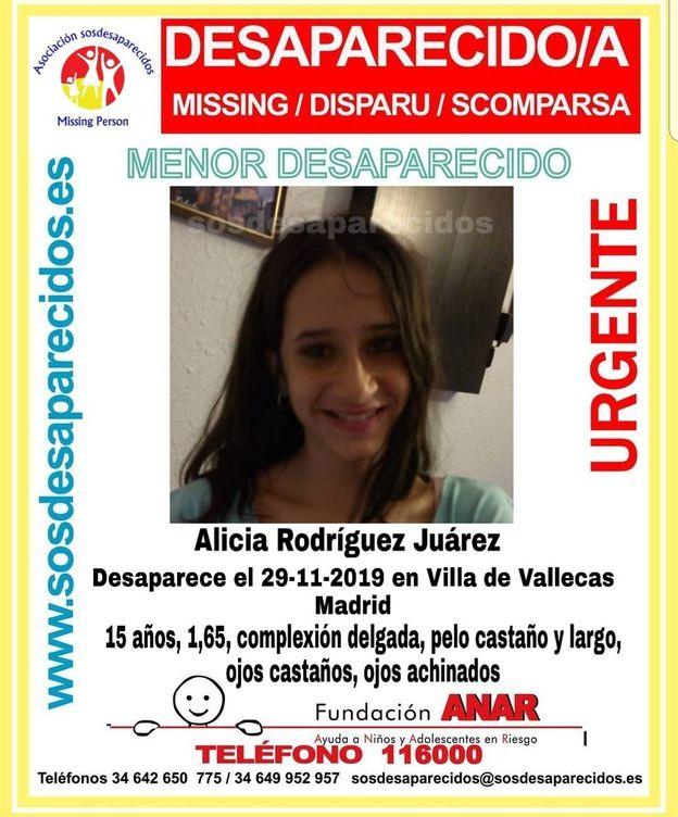 Foto: Un cartel con datos de la menor. (SOS Desaparecidos)