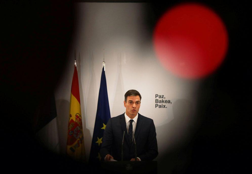 Foto: Pedro Sánchez, este 1 de octubre, en el acto de entrega de los 'sellos de ETA' por parte de Francia, en La Moncloa. (Reuters)
