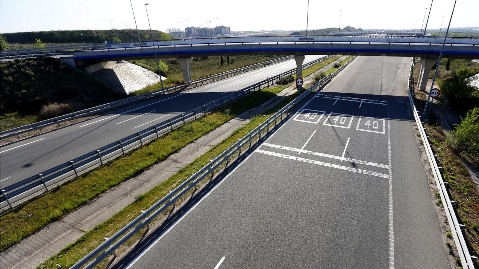 Foto: Vista de la R-2, la autopista de peaje que discurre a lo largo de 62 kilómetros entre la M-40 y Guadalajara.