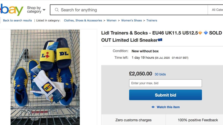 Un usuario de eBay Reino Unido vende zapatillas y calcetines por un precio abusivo