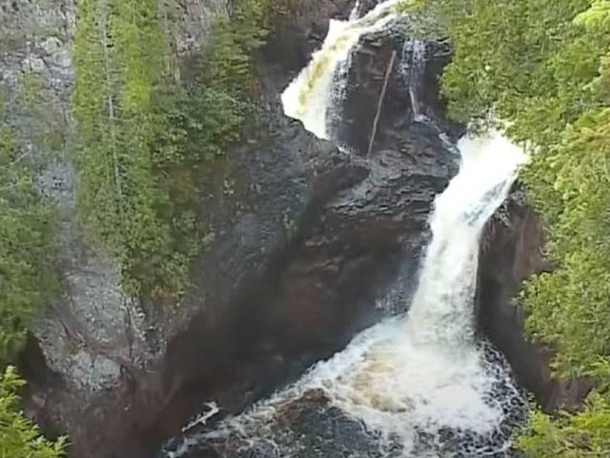 Foto: Momento en el que se bifurca el caudal del río Brule. (CC/Youtube)