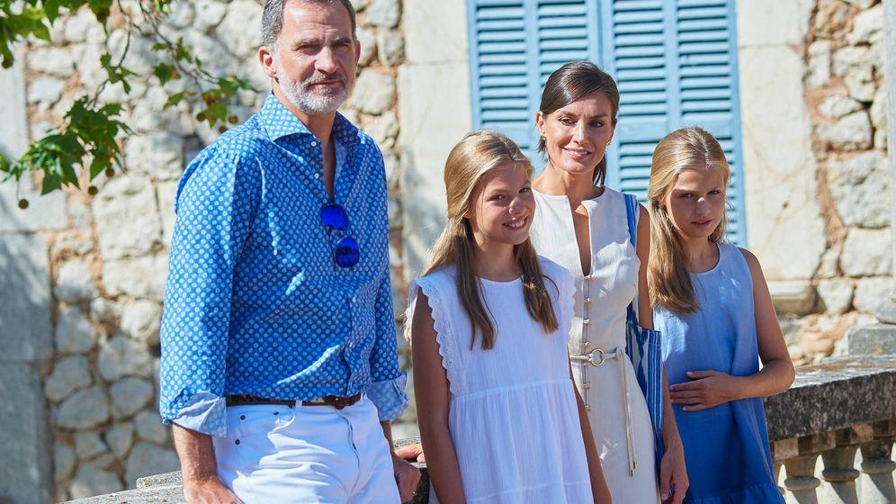 Foto: Los Reyes con sus hijas en Son Marroig. (Limited Pictures)
