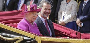 Post de Felipe VI y la reina Isabel, 'match' cromático durante el primer encuentro en Londres