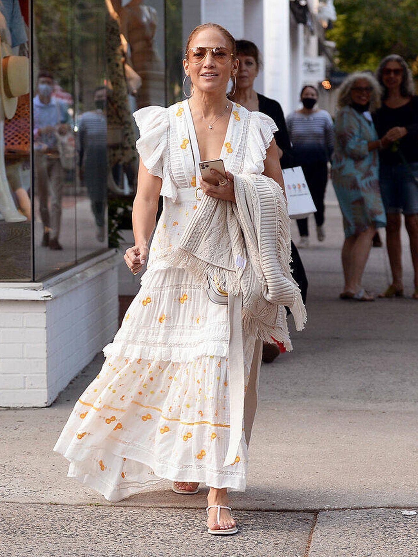 Jennifer Lopez, de compras por los Hamptons. (Gtres)