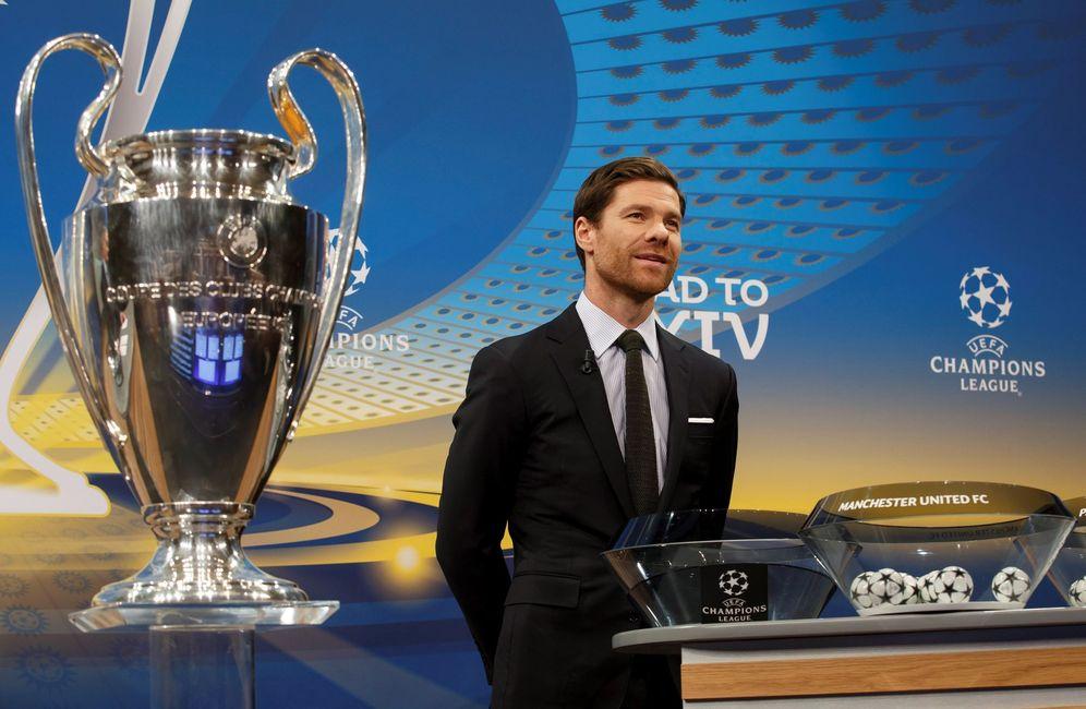 Foto: Xabi Alonso en el sorteo de la Liga de Campeones (Efe)