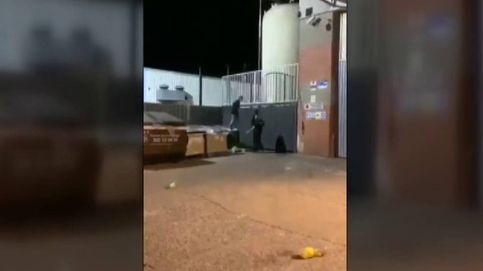 Agresión de tres porteros a dos jóvenes que intentaron colarse en una discoteca de Sabadell