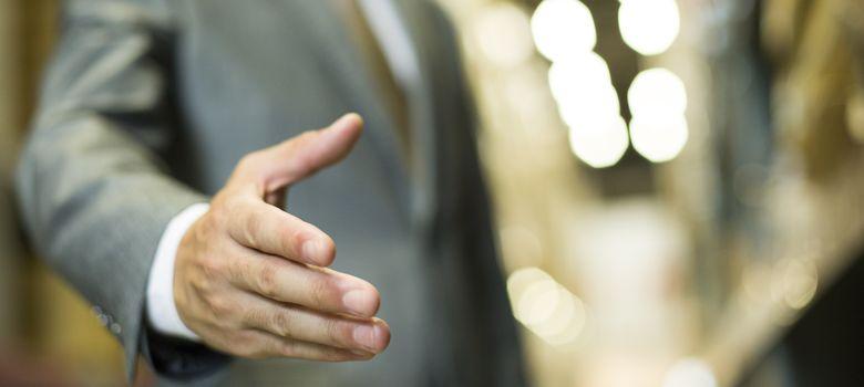 Foto: La forma en que estrechas la mano puede decir mucho de ti. (Corbis)