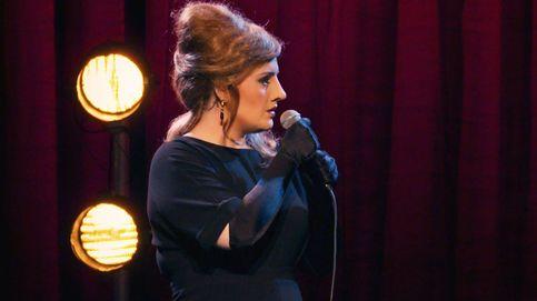 Adele acude a un concurso de imitadoras suyas y logra engañar a todos
