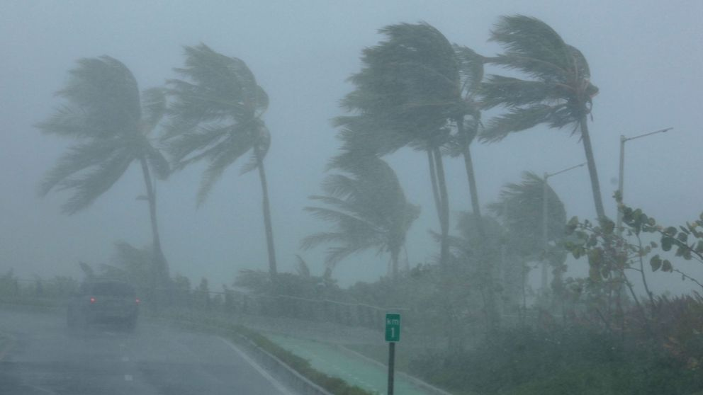 Paso del Huracán Irma por el Caribe: olas gigantes, inundaciones y destrozos