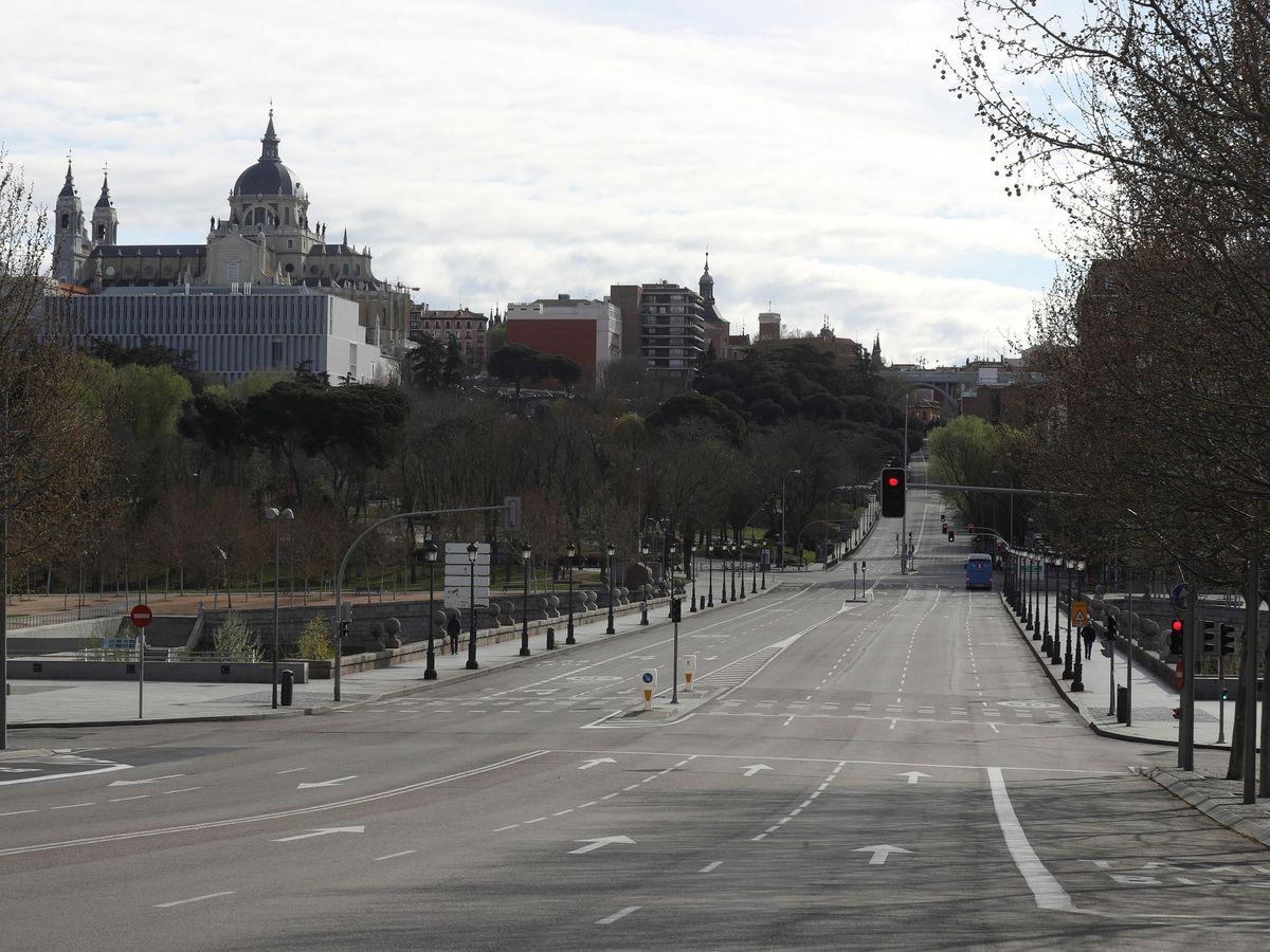 Foto: Calles vacías en Madrid durante el estado de alarma. (EFE)