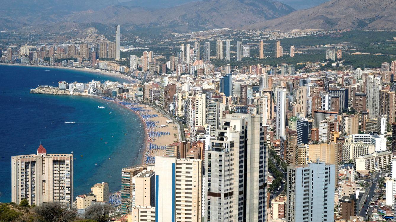 Elogio de Benidorm: el gran invento del turismo español firma otro verano de éxito