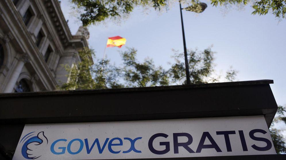 Foto: Un cartel publicitario de Gowex en un quiosco de Madrid. (Reuters)