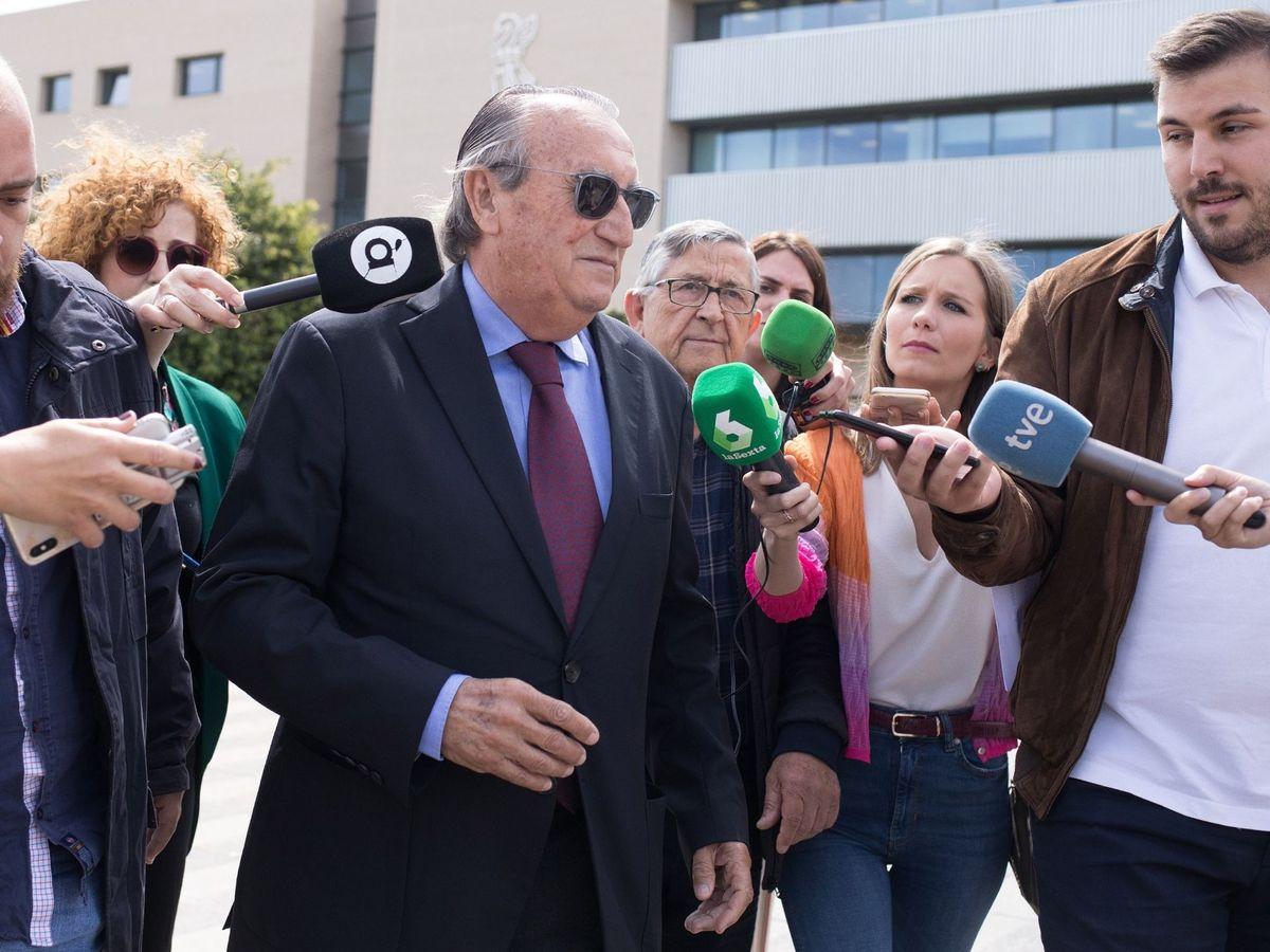 Foto: Carlos Fabra, en una comparecencia en los juzgados. (EFE)
