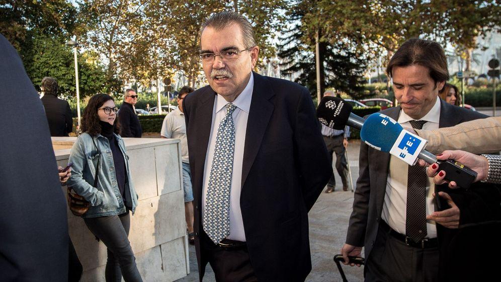 Foto: Juan Soler, este jueves a su llegada al juicio en Valencia por intento de secuestro a Soriano. (EFE)