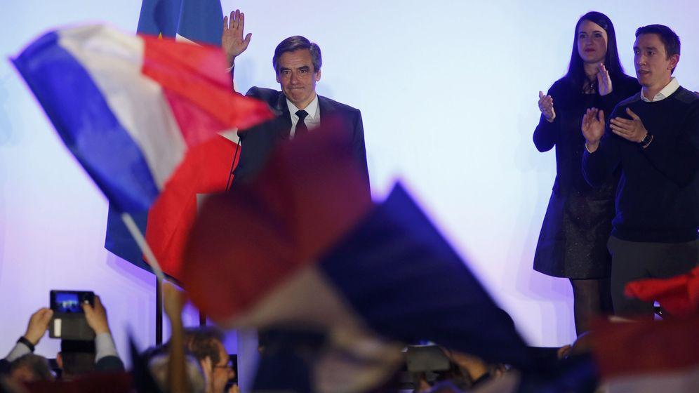 Foto: El candidato del centro derecha François Fillon durante un mitin de campaña en Nimes (Reuters).