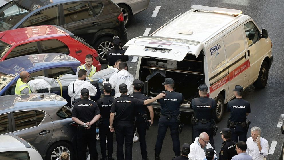 El sospechoso de descuartizar a un hombre en Valencia mata a cuchilladas a un policía