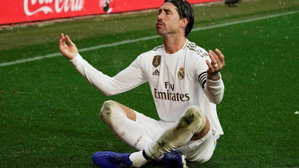 Foto: La liga santander - deportivo alaves v real madrid