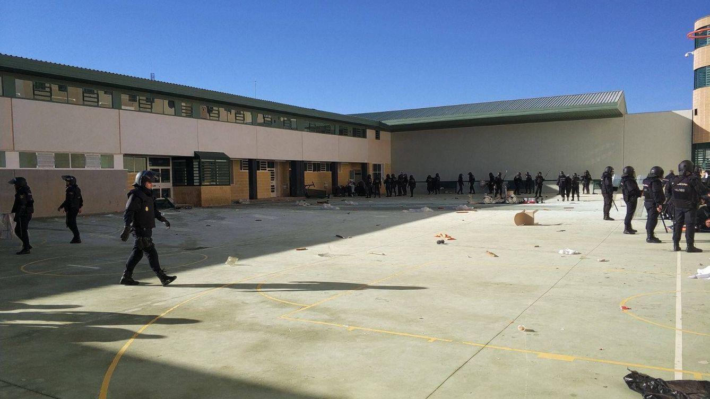 Una protesta de los inmigrantes de la cárcel de Archidona acaba con varios desperfectos