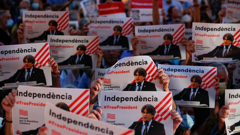 Manifestación a favor del 'expresident' Carles Puigdemont. (Reuters)