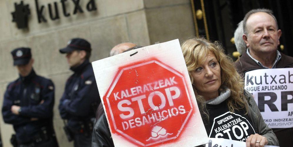 Foto: Tras las cláusulas suelo, llega la ofensiva contra el IRPH y las hipotecas multidivisa. (EFE)