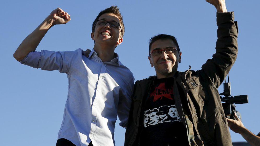 Foto: Íñigo Errejón y Juan Carlos Monedero juntos en un acto en Madrid. (Reuters)