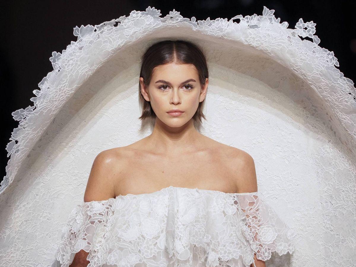 Foto: Kaia Gerber desfila para Givenchy en la Paris Fashion Week. (Cordon Press)