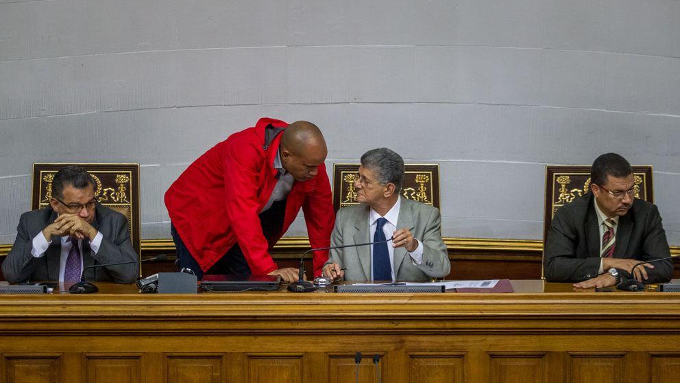 El Parlamento pospone el debate para decidir la responsabilidad de Maduro