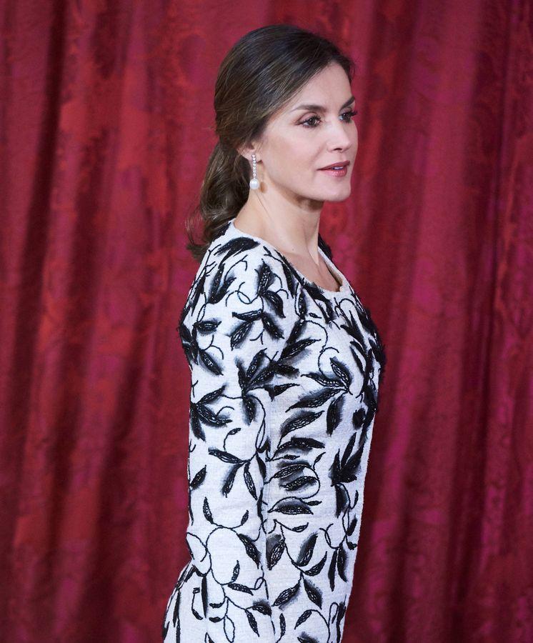 Foto: La reina Letizia durante el almuerzo en el Palacio Real. (Limited Pictures)