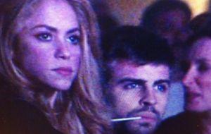 Piqué y Shakira, 'pillados' de concierto, se deshacen en elogios el uno al otro
